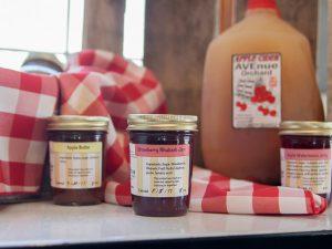 Avenue Orchard Strawberry Rhubarb Jam